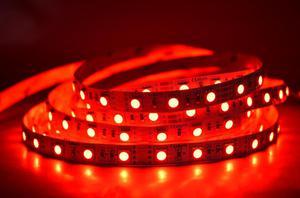 LED pásik 12W/m vnútorná červená 12V