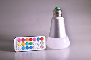 LED žiarovka RGBW 10W E27 330 ° RGB + Teplá biela