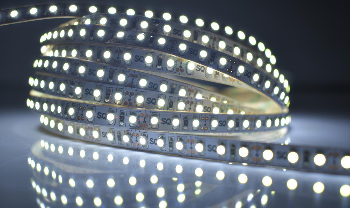 LED Streifen 9,6W/m ohne Schutz Kaltweiß