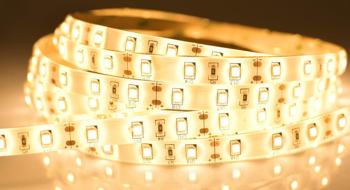 LED Streifen 12W/m mit Schutz Warmweiß