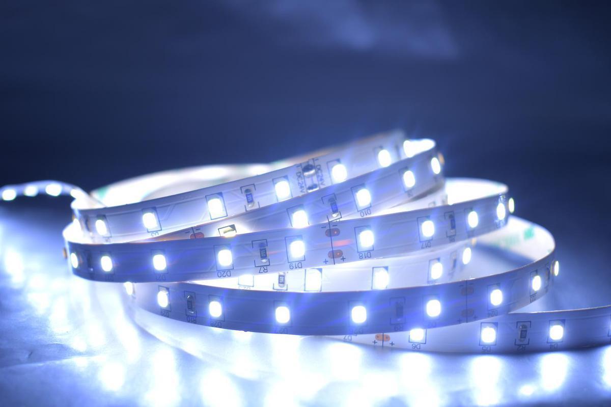 LED Streifen 14,4W/m ohne Schutz Kaltweiß