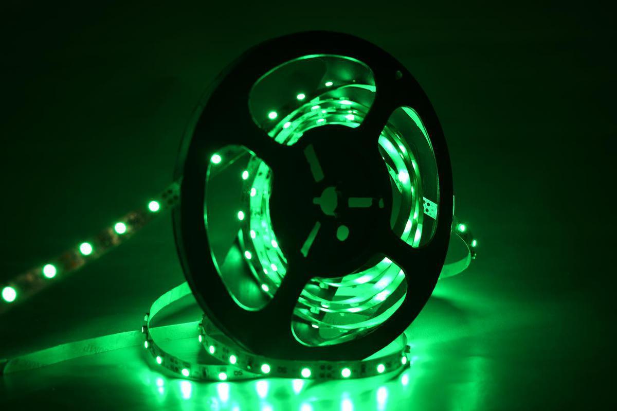LED Streifen 9,6W/m mit Schutz gruene