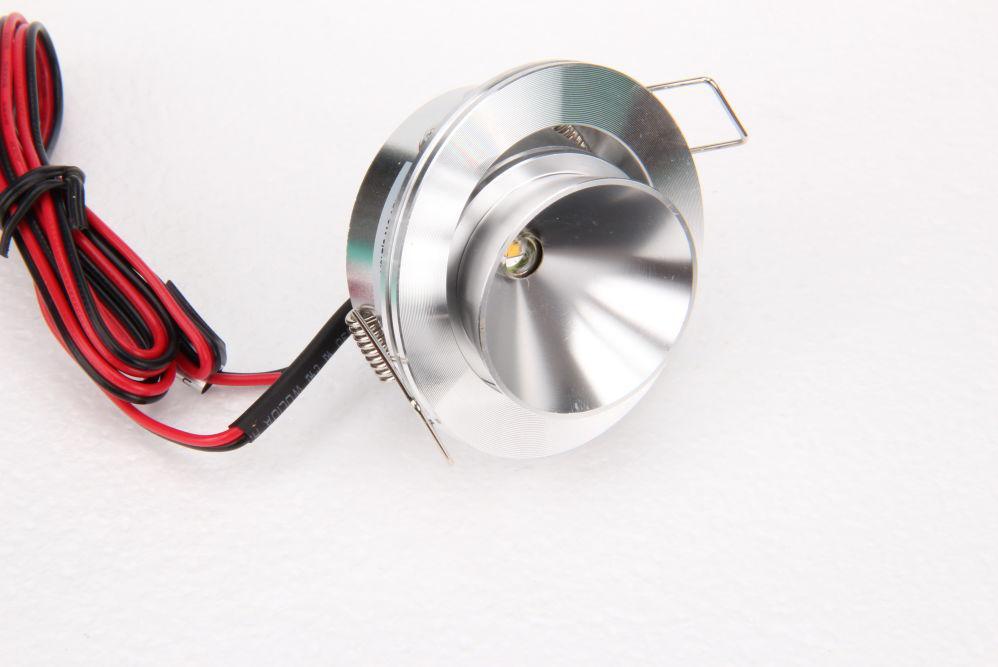 Dimmbarer LED Lampe TLZ C3W 80