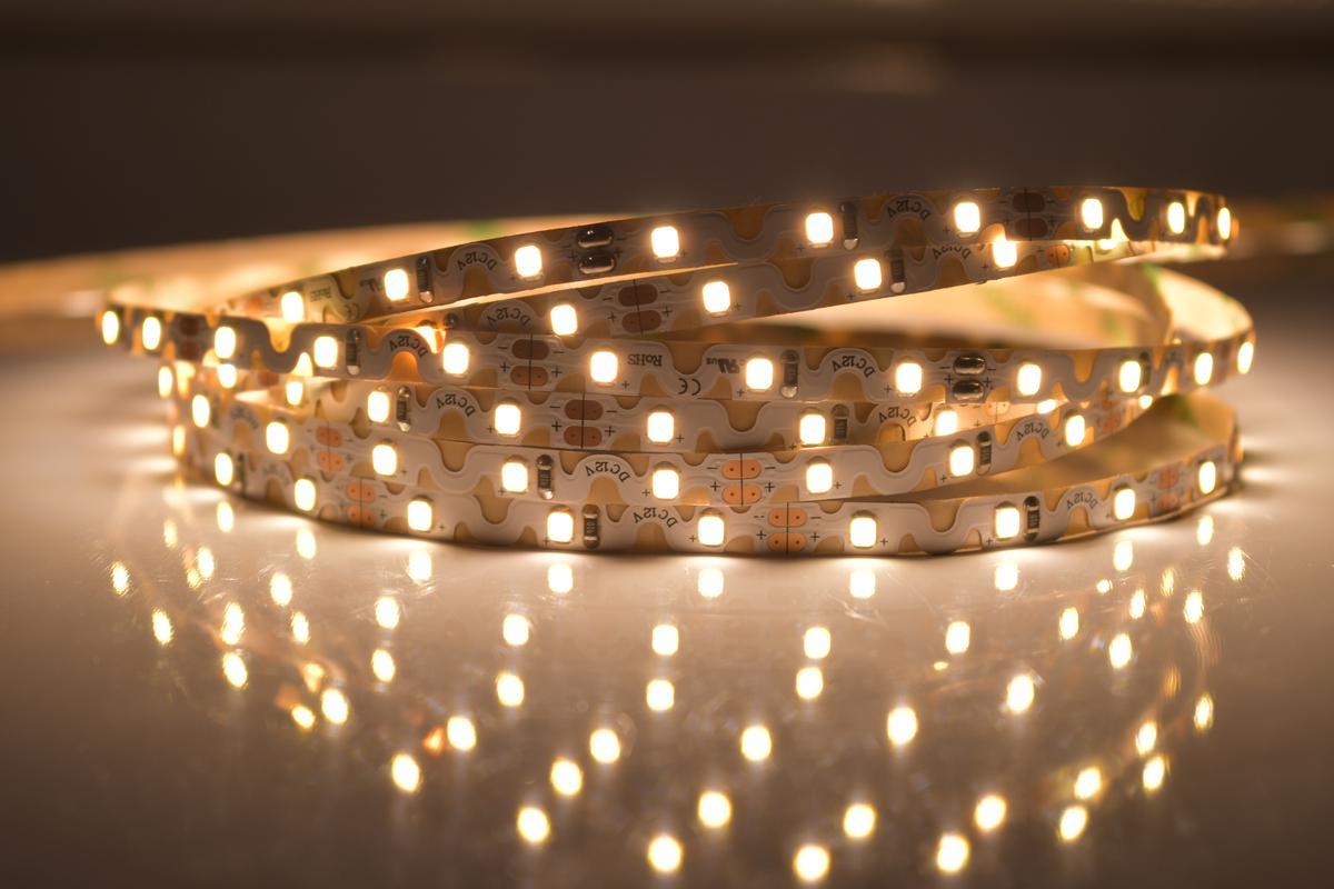 LED Streifen 6,2W/m 12V flexible Warmweiß