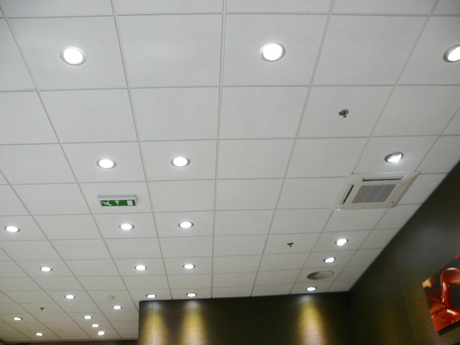 LED osvětlení Prodejna Lindt 3