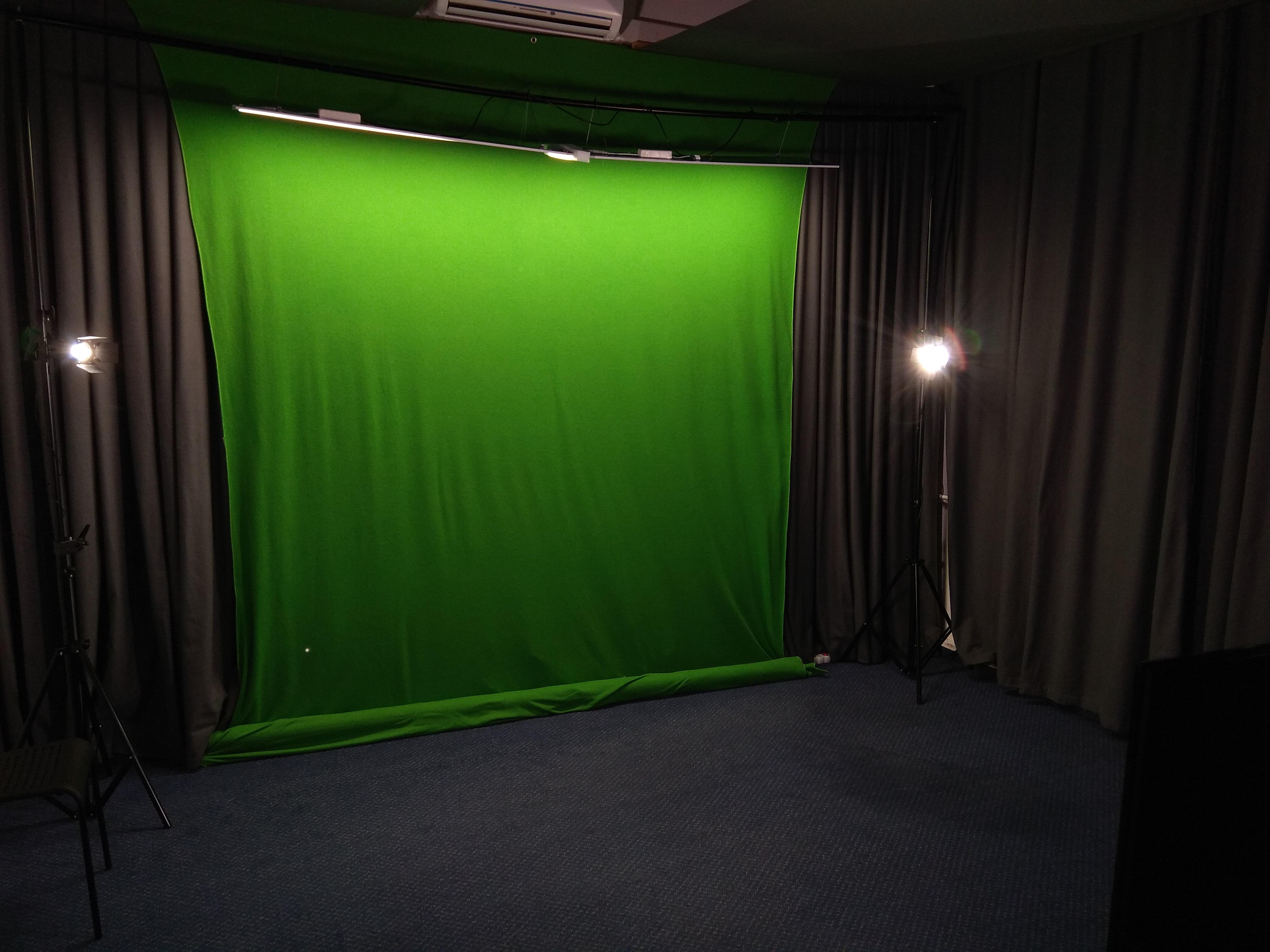 LED osvětlení Reflektory ve škole 1