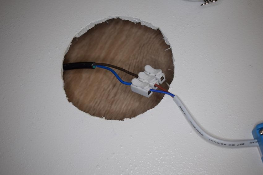 pripojeni-vodicu-ke-zdroji